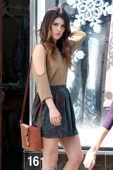 More Pics of Shenae Grimes Satchel (1 of 13) - Shenae Grimes Lookbook - StyleBistro