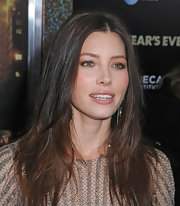 Jessica Biel wore her darker tresses long and straight with a casual center part at the NYC premiere of 'New Year's Eve.'