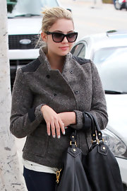 Ashley Benson's dark frames were California-cool.