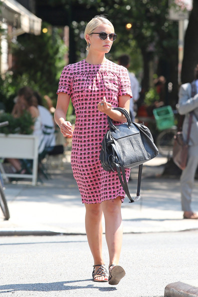 More Pics of Dianna Agron Print Dress (3 of 5) - Dianna Agron Lookbook - StyleBistro