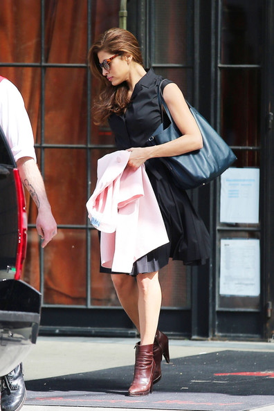 More Pics of Eva Mendes Shirtdress (4 of 5) - Eva Mendes Lookbook - StyleBistro