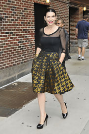 Julianna Marguiles looked gorgeous for her appearance on the 'Late Show with David Letterman.' The actress opted for a houndstooth silk jacquard full skirt paired with a sheer black top.