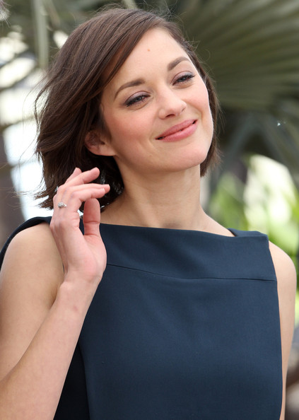 More Pics of Marion Cotillard Diamond Watch (4 of 5) - Marion Cotillard Lookbook - StyleBistro []