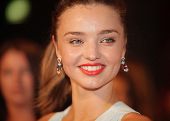 More Pics of Miranda Kerr Bright Lipstick (3 of 9) - Miranda Kerr Lookbook - StyleBistro