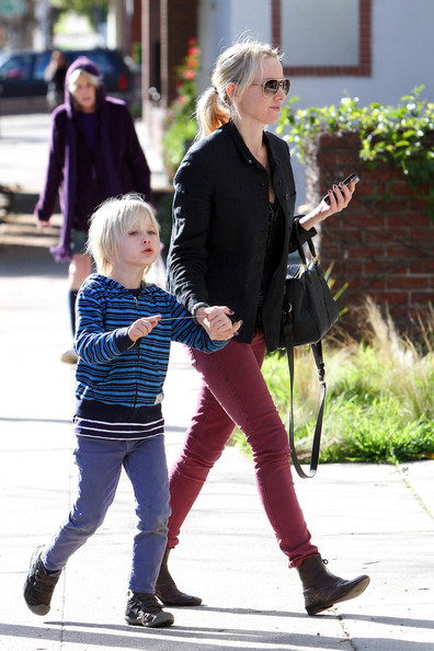 More Pics of Naomi Watts Skinny Pants (4 of 27) - Naomi Watts Lookbook - StyleBistro