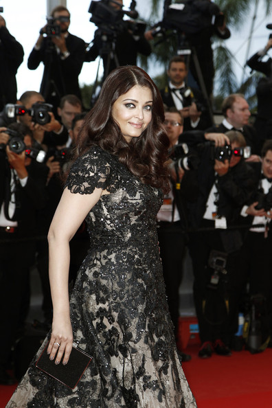 Aishwarya Rai Box Clutch []