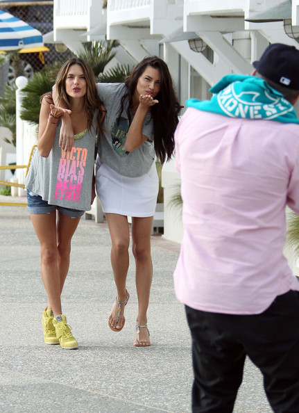 More Pics of Alessandra Ambrosio Tank Top (4 of 40) - Tank Top Lookbook - StyleBistro