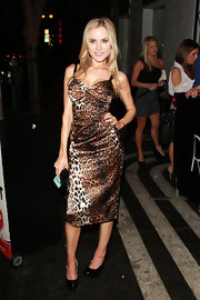 This fitted leopard-print dress was certainly seductive on Paula Labaredas.