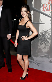 Kelly Monaco struck a pose at the 'Red Riding Hood' premiere in black satin platform peep toes with amber heels.