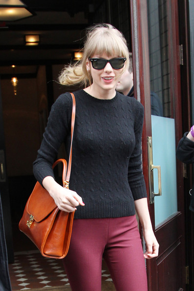 More Pics of Taylor Swift Skinny Pants (1 of 5) - Taylor Swift Lookbook - StyleBistro