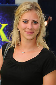 Holly Branson had her hair tied half up at the 'Shrek the Musical' press night.