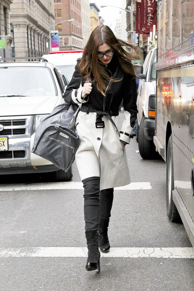 Anne Hathaway Ankle Boots Anne Hathaway Looks Stylebistro