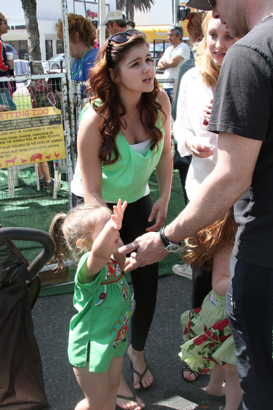 Ariel Winter Clothes