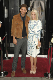 Kimberly Wyatt looked super stylish in a blue and white print dress during the Key fashion event.