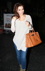 Eva Longira kept things unfussy at Katsuya in a loose oatmeal tunic.