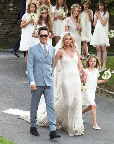 More Pics of Kate Moss Wedding Dress (5 of 6) - Wedding Dress ...