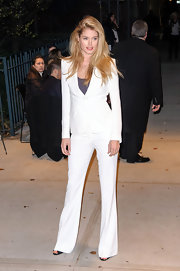Winter white is clearly a trend with staying power! Doutzen ravished in this menswear-inspired outfit at the 'Killing Them Softly' premiere.