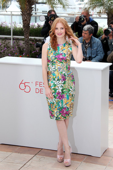 More Pics of Jessica Chastain Long Wavy Cut (4 of 6) - Jessica Chastain Lookbook - StyleBistro
