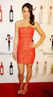 Bethenny Frankel stepped into a pair of strappy bronze sandals for her Skinnygirl Cocktails Rock the House party.