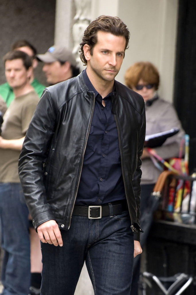 More Pics Of Bradley Cooper Layered Razor Cut 2 Of 16