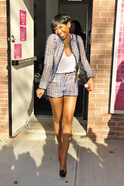 Brandy was all smiles in an adorable multi-colored tweed short suit.