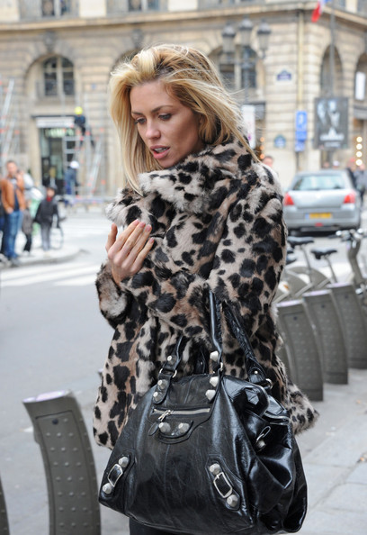 More Pics of Abbey Clancy Leather Tote (1 of 17) - Abbey Clancy Lookbook - StyleBistro