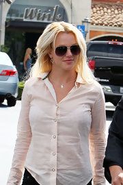 Britney Spears enjoyed a day out at Marmalade Cafe wearing cool aviator shades.