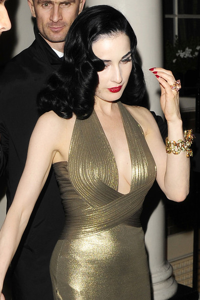 More Pics of Dita Von Teese Moon Manicure (4 of 4) - Nails Lookbook - StyleBistro