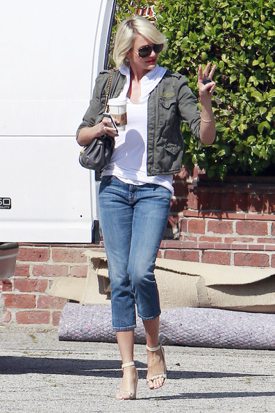 More Pics of Cameron Diaz Strappy Sandals (1 of 10) - Cameron Diaz Lookbook - StyleBistro