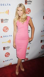 Aviva Descher paired her pink dress with nude patent pumps during a GLAAD event.