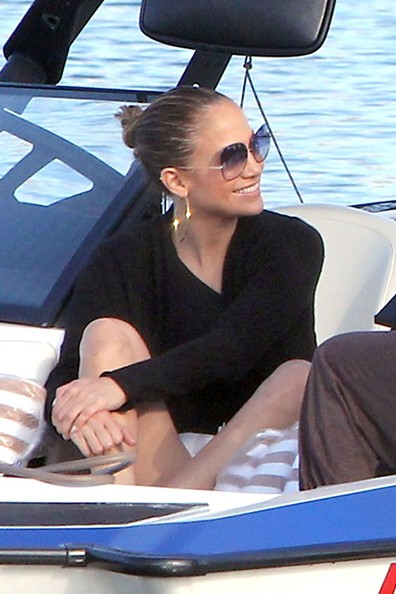 More Pics of Jennifer Lopez Designer Shield Sunglasses (1 of 3) - Jennifer Lopez Lookbook - StyleBistro