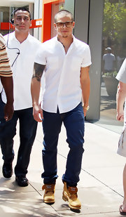 Casper Smart's lace up workwear boots were a rugged finish to his button-up tee.