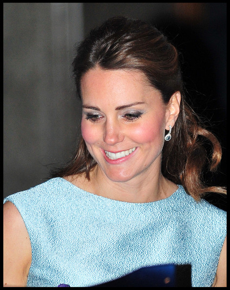 More Pics of Kate Middleton Half Up Half Down (5 of 11) - Updos Lookbook - StyleBistro