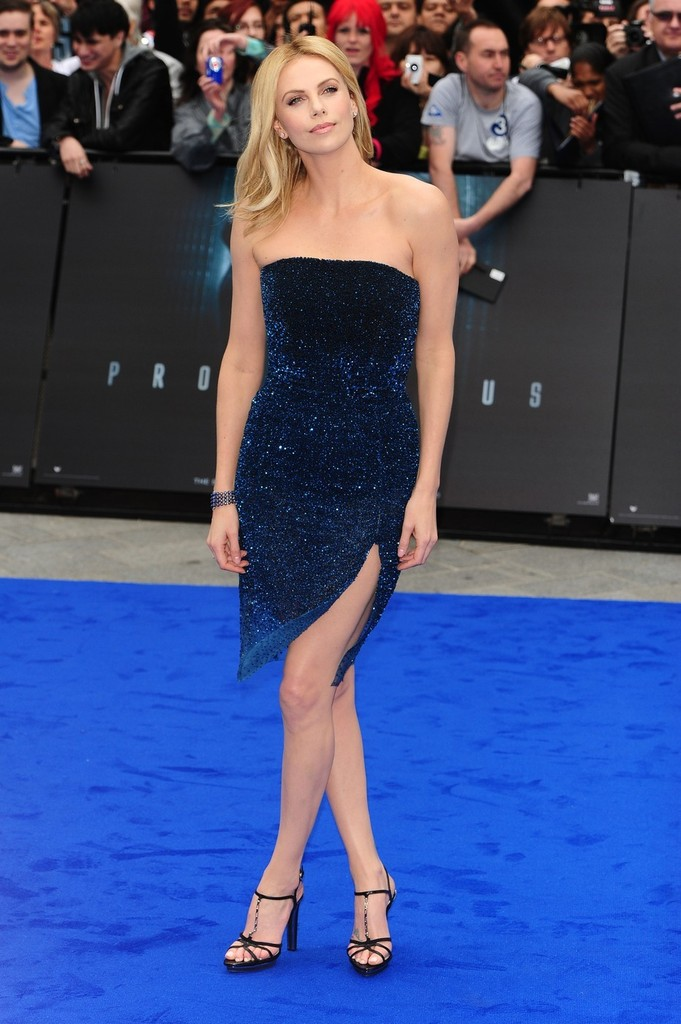 Charlize Theron Strapless Dress Charlize Theron Looks