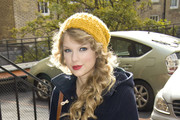 Taylor Swift Wears a Navy Pea Coat
