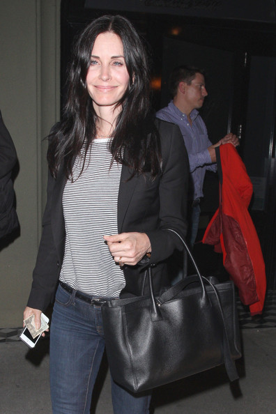 More Pics of Courteney Cox Leather Tote (1 of 9) - Leather Tote Lookbook - StyleBistro