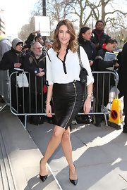 Lisa Snowdon added some spice to her look at the TRIC Awards with this black leather skirt.