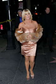 Suzanne Somers sizzled at the Supper club in pointy blush satin pumps.