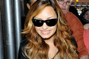 Demi Lovato Wears Pretty Peachy-Pink Lipstick