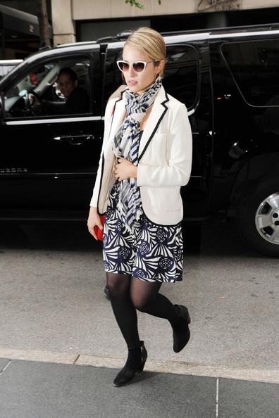 More Pics of Dianna Agron Patterned Scarf (1 of 8) - Dianna Agron Lookbook - StyleBistro