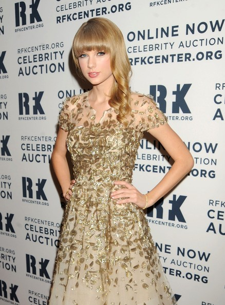 More Pics of Taylor Swift Cocktail Dress (2 of 6) - Taylor Swift Lookbook - StyleBistro
