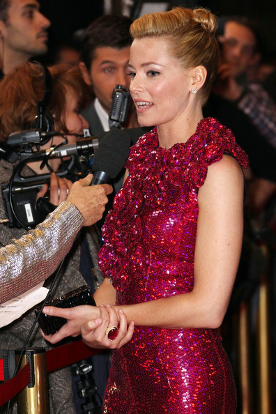 Elizabeth Banks Clothes