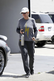 Ellen kept her look super casual for the gym with this pair of gray sweatpants.