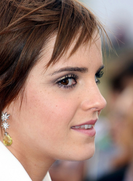 Emma Watson donned a pair of whimsical-glam citrine star earrings by Boodles for the 'Harry Potter 2' premiere.
