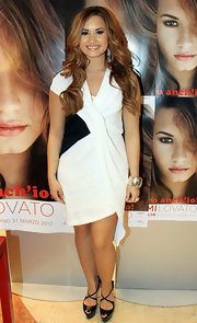 Demi Lovato met with fans and signed copies of her new album wearing a sterling silver gladiator cuff bracelet.