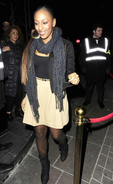 More Pics of Alexandra Burke Knit Scarf (1 of 4) - Alexandra Burke Lookbook - StyleBistro
