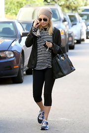 Nicole jumps on the nautical trend in a striped t-shirt at the gym.