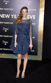 Hilary Swank looked like a modern day princess in a glittering midnight blue cocktail dress for the 'New Year's Eve' premiere.