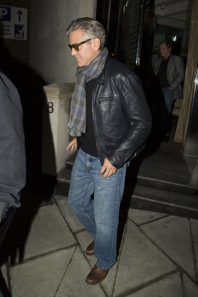 More Pics of George Clooney Wayfarer Sunglasses (2 of 18) - Classic Sunglasses Lookbook - StyleBistro