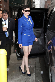 Ginnifer braved the New York chill in this bright blue short suit with white piping.